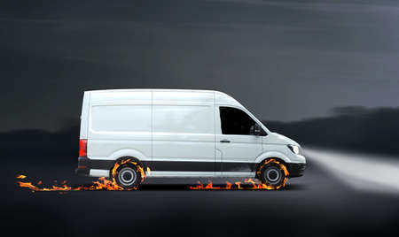 Fast delivery van with flames, concept for a fast delivery Banque d'images