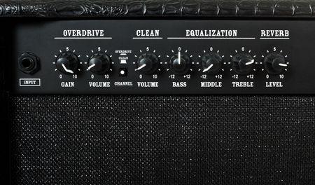 superdirecta: control panel portarretrato de amplificador de guitarra