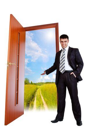 abriendo puerta: empresario le invita a verano Foto de archivo