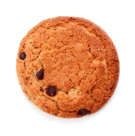 galletas: galleta de chispas de chocolate aislada sobre fondo blanco