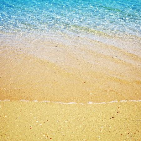 beach and tropical sea at sunny day Standard-Bild