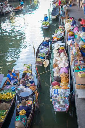fruit trade: Traditional trading at floating market, Thailand