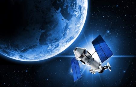 antena parabolica: sat�lite en el espacio Foto de archivo