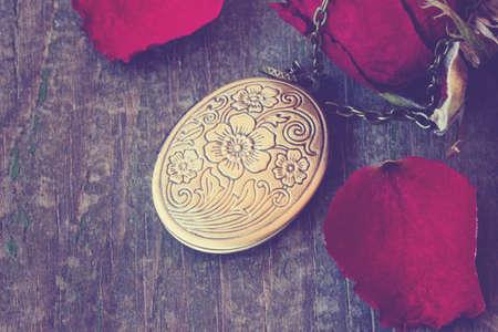 old vintage locket Reklamní fotografie - 26349549