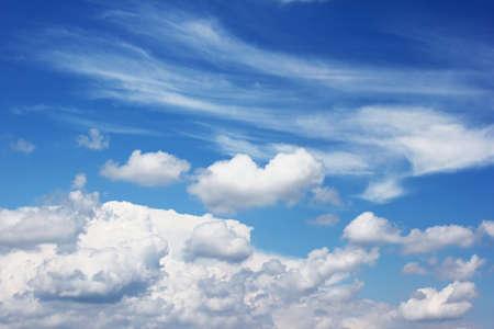 fluffy: nubes esponjosas Foto de archivo