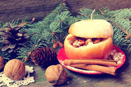 christmas apple: al forno riempito di Natale di mele in stile vintage