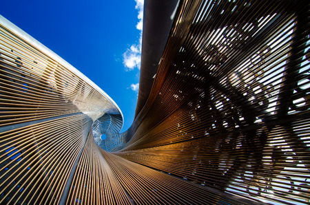 An interesting view up through the middle of an art monument at Kangaroo Point Cliffs Park Stock fotó