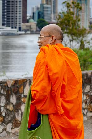 A Buddhist Monk enjoying the views of Brisbane city centre Sajtókép
