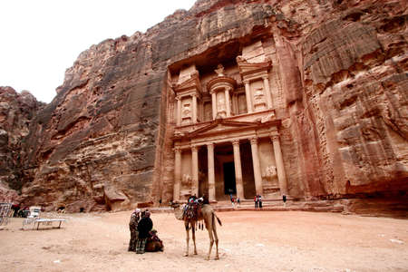 of petra: the treasury of Petra, Jordan Stock Photo