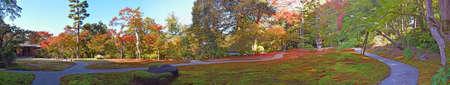 Panorama del giardino giapponese di Yoshikien, Nara, Giappone Archivio Fotografico - 54443666