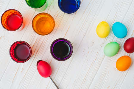 Process of dyeing easter eggs 版權商用圖片