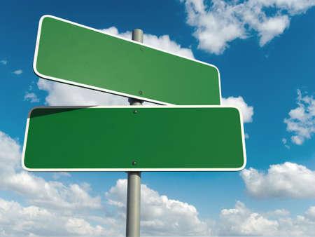 cruce de caminos: Blanco señal verde aislado en un cielo de fondo Foto de archivo