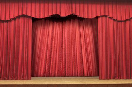 cortinas rojas: Teatro de escenario de red ca�das con Deep Shadows  Foto de archivo