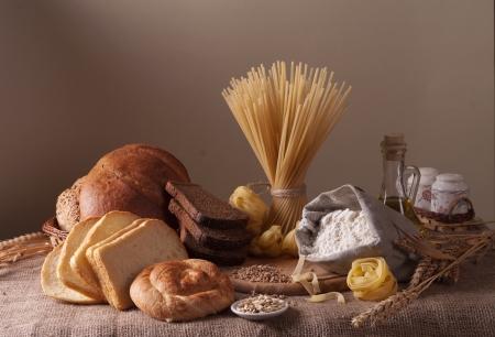 Nature morte avec pain, les p?tes et le bl?