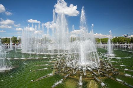tsaritsyno: Russia, Moscow, Tsaritsyno park. Fountain. May 26, 2016.