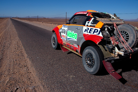 liaison: Competitor of the Dakar Race in a liaison in Morocco