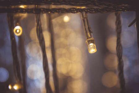 parti gecesinde küçük LED ışık dekoruyla nigt ışık bokeh festivali yılbaşı ya da yeni yıl geçmişi