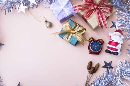 yeni yıl ve yılbaşı için hediyeler kutu dekor arka plan ve kopya alan, vintage tarzı