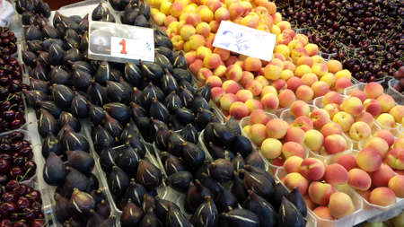 fruit trade: Various fruits on the Spanish market hall