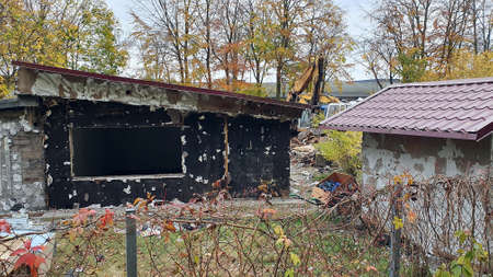 Demolition of single-family houses on forest plots