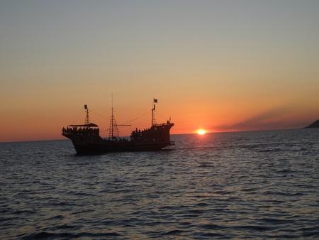 メキシコのロッキー ポイントの観光海賊船