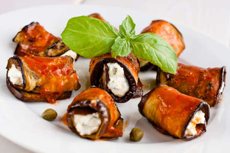 aubergine: Eggplant rolls stuffed with cottage cheese