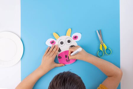 easy cow paper craft for kids, kids hands make paper craft, activity, leisure