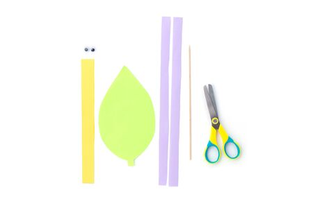 materials to make simple snail paper craft for kid and kindergarten, how to make snail, step by step instruction, tutorial, DIY, children art project, step1, color strips Фото со стока