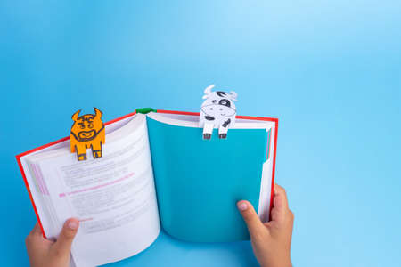 book with bookmarks, easy handmade bookmark with cow or bull, ideas for kids craft,