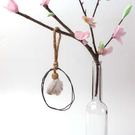 easter decoration made of wire, simple DIY, spring craft for kids, lovely interior decor
