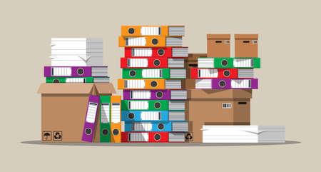 Pile de documents papier et dossiers de fichiers.