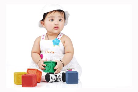 non toxic: beb� con bloques de colores Foto de archivo