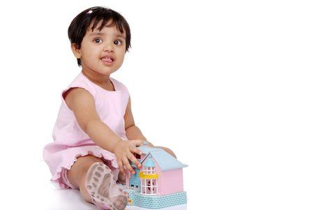 ninos indios: 2-3 a�os de edad ni�a mostrando la lengua