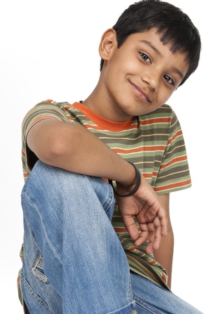 ninos indios: Chico lindo en el interior Foto de archivo