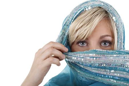 mariage: Veiled european woman