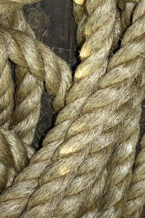 slack: Old thick rope for boats