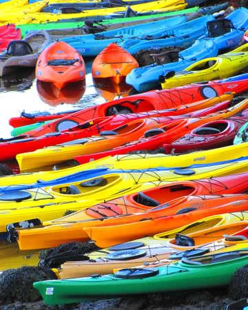 fibra de vidrio: Colorful kayaks
