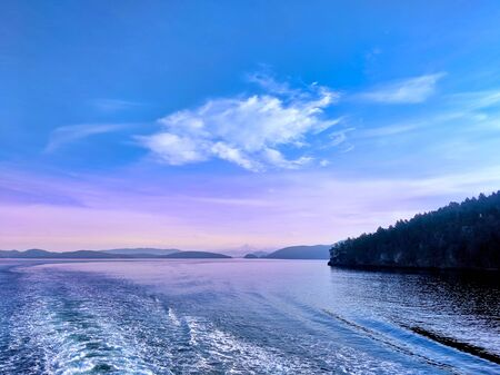 Waves quaking behind a ferry making its way through the San Juan Islands in the pacific northwest. Reklamní fotografie