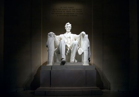 abraham lincoln: The Licoln Memorial at night, illuminated, front view