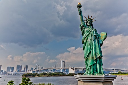 A picture of a 30ft replica of the statue of Liberty located on Odabai island in Tokyo, Japan Stock Photo - 8255813