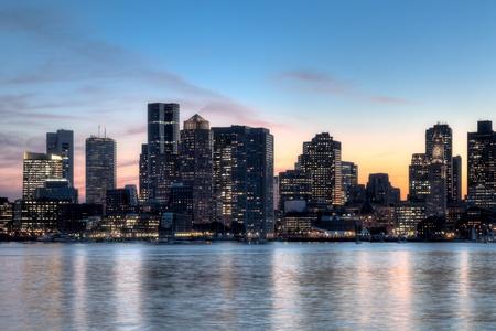 Boston skyline bij zonsondergang Stockfoto