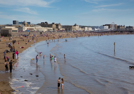brean beach: WESTON-SUPER-MARE, SOMERSET-MAY 6TH 2013   Crowds flock to Weston-super-mare beach as temperatures soared on the spring Bank Holiday on Mon 6th May 2013 Editorial