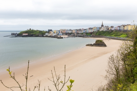 tenby wales: Tenby North beach Pembrokeshire Wales   Medieval walled fishing town on west side of Carmarthen Bay with great beaches and history  In Welsh known as Dinbych-y-pysgod