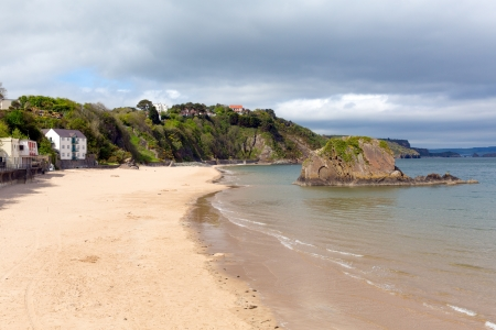 great bay: Tenby North beach Pembrokeshire Wales   Medieval walled fishing town on west side of Carmarthen Bay with great beaches and history  In Welsh known as Dinbych-y-pysgod