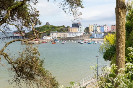 tenby wales: Tenby south beach Pembrokeshire Wales   Medieval walled fishing town on west side of Carmarthen Bay with great beaches and history  In Welsh known as Dinbych-y-pysgod  Stock Photo