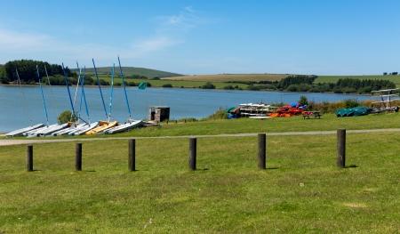 bodmin: Siblyback Lake Bodmin Moor Cornwall England UK where people enjoy sailing and water sports  Stock Photo