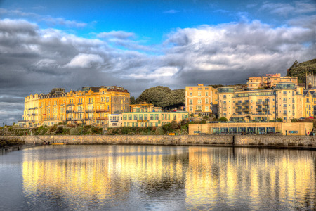 Lake Marina en Weston-super-Mare Somerset Inglaterra en una ma�ana soleada en el colorido HDR photo