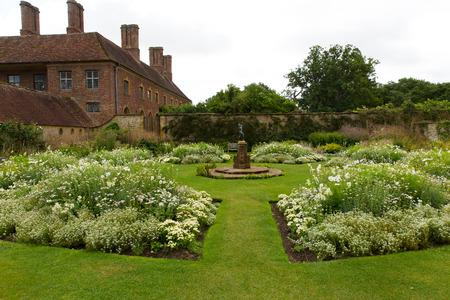 Jardin blanc à Barrington Court près de Ilminster Somerset Uni Tudor manoir Banque d'images - 38066955