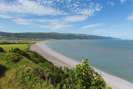 south west coast path: Spiaggia Porlock Somerset Inghilterra Regno Unito vicino Exmoor e ad ovest di Minehead sulla strada costiera a sud-ovest in direzione di Porlock Weir