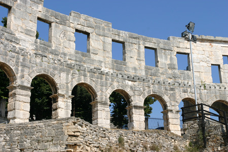 roman amphitheatre: Antiguo anfiteatro romano en Pula Croacia
